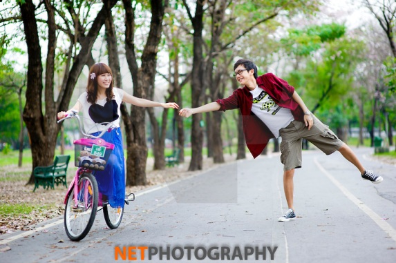 Lolita and Kenneth's Pre-Wedding photo shoot at Rod Fai Park in Bangkok Thailand